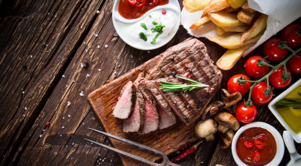 Finden Sie die richtige Beilage zum Steak.